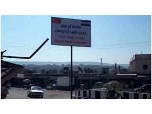 Navê Erdogan li meydaneke Efrînê tê kirin