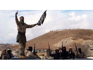 El Nusra xwe ji şerê Îdlibê re amade dike!