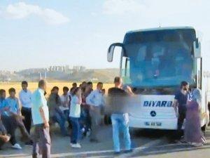 Otobêsên Diyarbekirê li Ankarayê bûn armanca êrîşeke çekdar