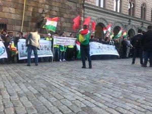 Kurdên Swêdê Îran şermezar kir
