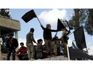 Li Îdlibê hêzên Sûriyê êrîşî HTŞyê kirin
