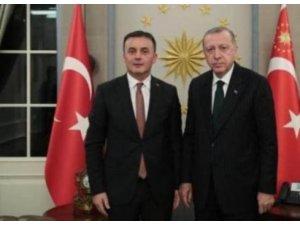 Serozgerê Komarê yê Enqerê çûye serdana Erdoğanî