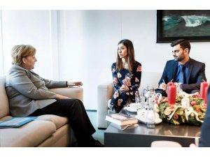 Merkelê pêşwazî Nadia Muradê kir