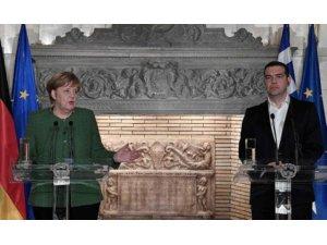 Merkel: Rêkeftina koçberan a YE û Tirkiyê bi dilê me nehat bicihkirin