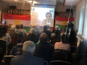Özçelik û Tek bi vîdyokonferansê digel Kurdên li Swêdê civiyan