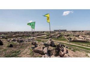 Kurd li ser guherîna navê Sûriyê rijd in