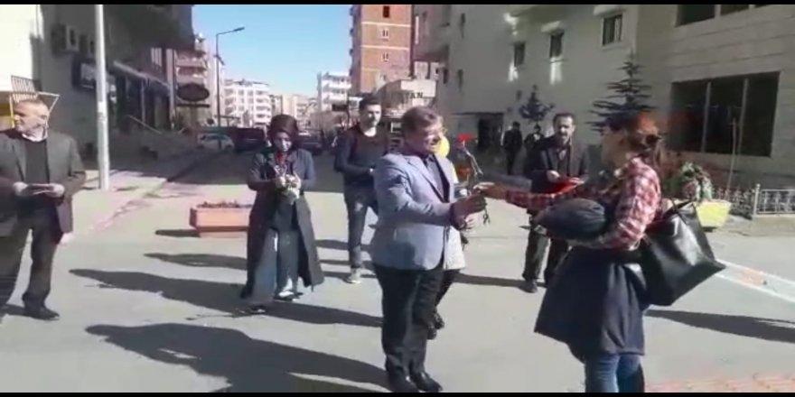 NAMZETÊ SERBIXWE M. FEYYAZ EKMENÎ GUL DAN DESTÊ JINÊN BATMANÎ