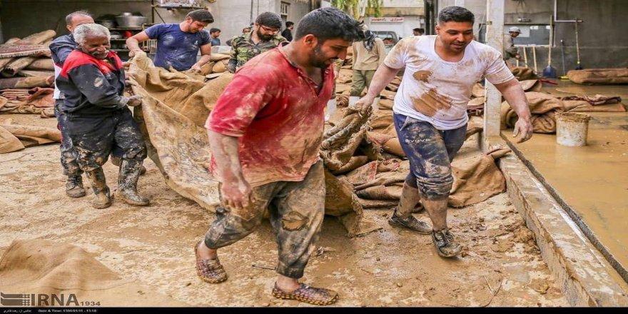 Rojhilata Kurdistanê dinale!