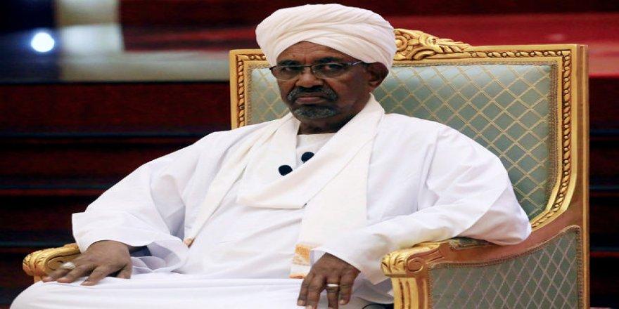 Serokomarê Sudanê El Beşîr ji kar hat dûrxistin