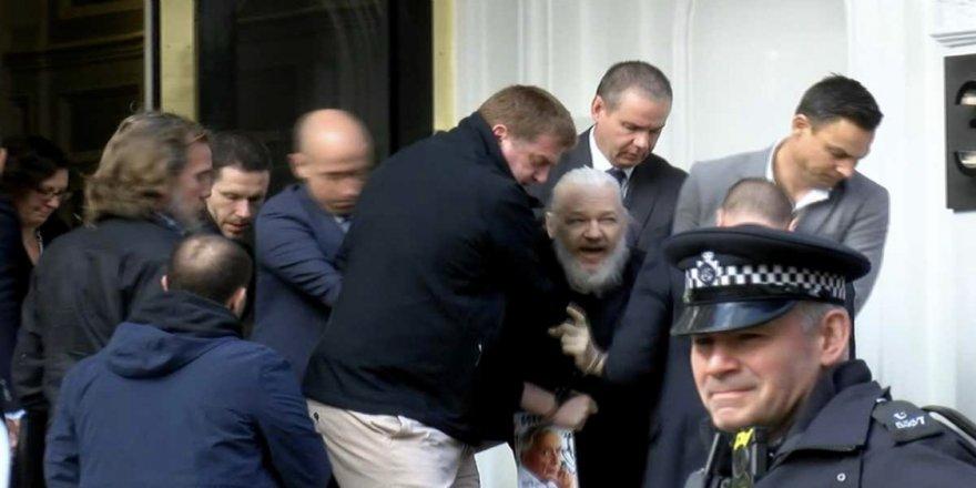 Damezrînerê Wîkîleaksê Assange hat desteserkirin