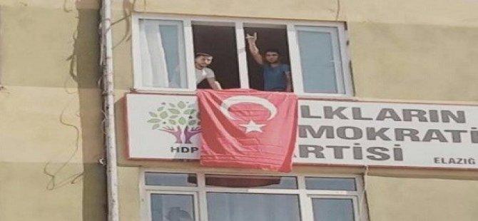 Piştî teqîna li Xarpêtê êrişî avahiya HDPê kirin