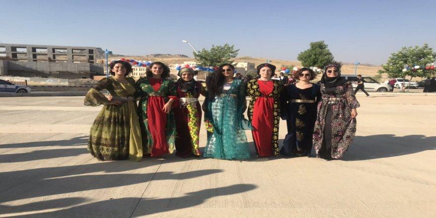 Xwendekarên Beşa Kurdî kumên xwe ber bi hêviyên xwe ve avêtin