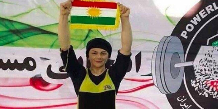 Keçeke kurd sê madalyayên zêr li Îranê bidest xist!