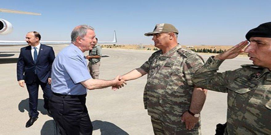 Hulusî Akar şi sînorê Rojavayê Kurdistanî