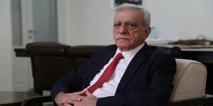 Ahmet Turk: Dest ronîyayo îradeyê şarî ser û ci ra vanê demokrasi!