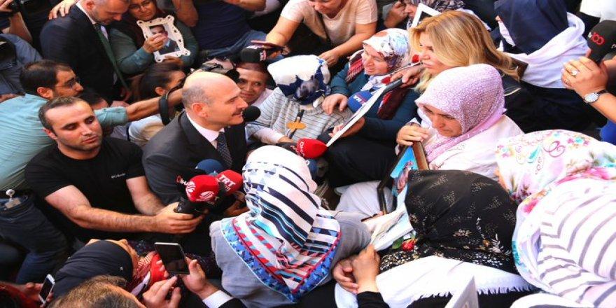 Soyluyî Dîyarbekir de bînaya HDP ziyaret kerd!