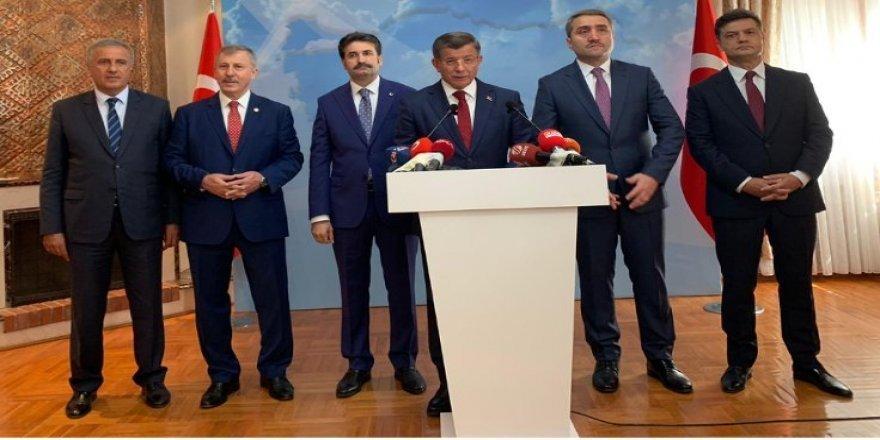 Ahmet Davûtoglûyî  AKP ra îstîfa kerd