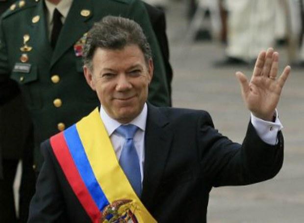 Serokomarê Kolombîyayê Xelata Nobelê ya Aştîyê wergirt