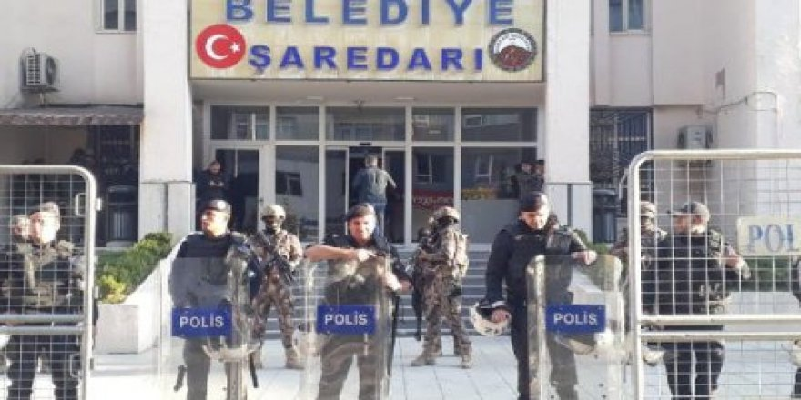 Tirkiyê qeyûm danîn ser şaredariyên Colemêrg, Nisêbîn û Geverê