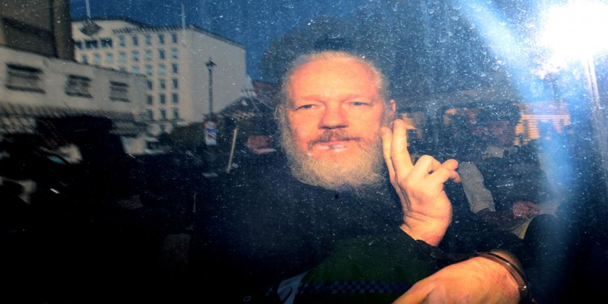 NY Hişyarî Dide ku Jîyana Julian Assange Ketiye Metirsîyê