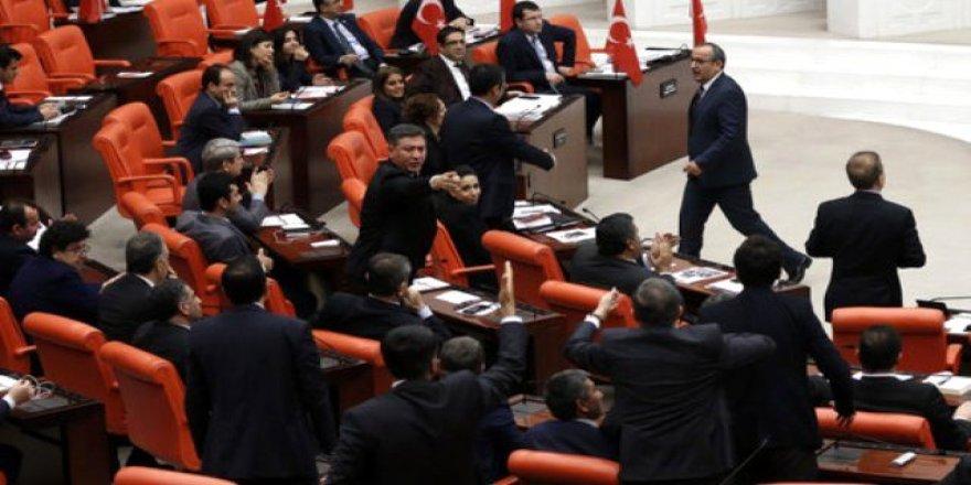 Li parlamentoya Tirkîyê ji ber axaftina bi Zazakî alozî derket