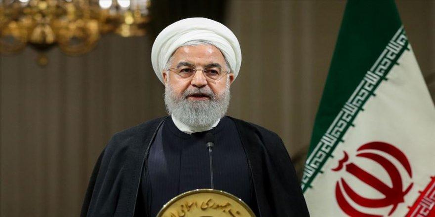 Ruhanî: Me dijî hêzên bîyanî serketin bi dest xist