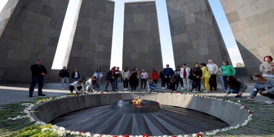 Senatoyê Amerîka vernîyazê Qirkerdişê Armenîyan tesdîq kerd