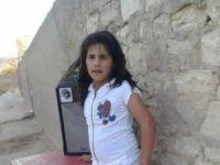 Efrîn dinale...Zarokek ji ber tepingan can da!